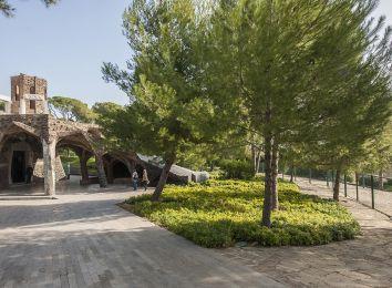 Fotografia de la Cripta de Gaudí de la Colònia Güell